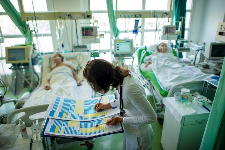 nurse chart glasgow coma scale hospital scoring system